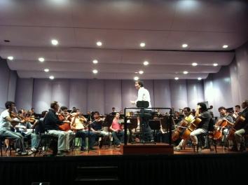 Ensayo de 'Volveremos a las Montañas' Sinfónica Nacional de Chile, maestro Josep Vicent